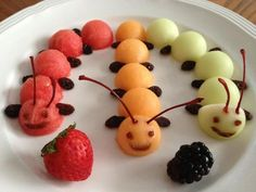 Awesome Top Tips For Getting Children To Eat Healthy Food Ideas. Top Tips For Getting Children To Eat Healthy Food Ideas. Cute Snacks, Fruit Snacks, Cute Food, Good Food, Yummy Food, Fun Fruit, Kreative Snacks, Baby Food Recipes, Snack Recipes