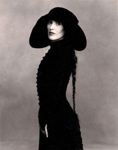Canadian modern dancer Margie Gillis - Annie Leibovitz, 1990's