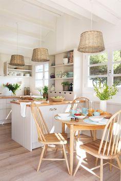 00458422. Cocina con office en madera, estilo campestre 00458422