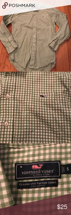 Men's Vineyard Vines button down Excellent condition, green and white check Vineyard Vines Shirts Casual Button Down Shirts