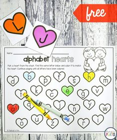 What a fun ABC game for Valentine's Day! Color the heart to match the card. Such a simple way to work on upper and lowercase pairs and letter recognition. #prek #preschool #kindergarten #alphabet