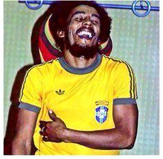 Bob Marley wearing a Brazilian football tem t-shirt, after her visit in Rio de Janeiro, 1980