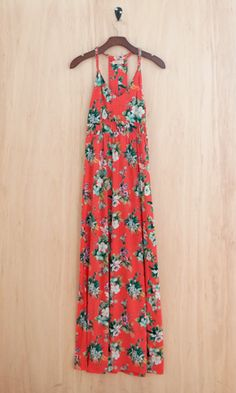 Hula your way into Aloha spirit this summer in this gown length maxi dress! Don't forget to pack this dress for your getaway to the islands....