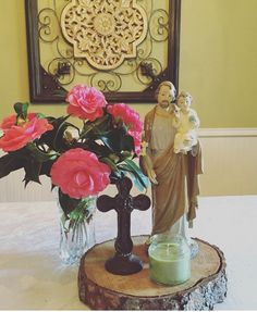 Decorating a Catholic Home Part I: Research Praying The Rosary Catholic, Home Altar Catholic, Catholic Crafts, Prayer Corner, Prayer Room, Kirchen, Religious Art, Sacred Heart, Our Wedding