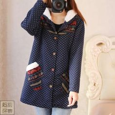 Packages mailed 2014 lambs wool hooded thickening high school students' new winter cotton-padded clothes long coat in the wind