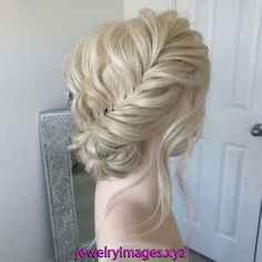 50 Glam Updo Styles For Wedding! 50 Glam Updo Styles For Wedding! Do you wanna see more fab hairstyle ideas and tips for your wedding? Then, just visit our website babe! Braided Hairstyles Updo, Easy Hairstyles, Wedding Hairstyles, Hairstyle Ideas, Braided Updo, Style Hairstyle, Updo Styles, Curly Hair Styles, Chignons Glamour
