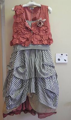 This Krista Larson black/cream stripe cotton broadcloth Umbrella Slip just begs to be layered in many different ways. I like this one..... underneath is a gorgeous Magnolia Pearl European cotton floral printed Idella Skirt AND Krista's cotton Underpinning Skirt..... and over it all is the Krista rhubarb linen Flower Vest with a funky ribbon flower pin.