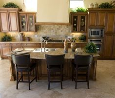 #Kitchen of the Day: A traditional favorite: Classic brown wood kitchens.