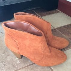 Short Carmel booties size 6 Size 6 Carmel booties. This is a repost and I never personally worn them. Very good condition. I have original box. No trades and no PayPal. Charlotte Russe Shoes Ankle Boots & Booties