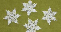 Také už se nemůžete dočkat sněhu? Martin už je za námi, tak je nejvyšší čas. Rozhodla jsem se s Vámi podělit o návod na háčkovanou vločku, k... Crochet Snowflake Pattern, Crochet Stars, Crochet Snowflakes, Home Decor, Art, Snow Flakes, Tutorials, Patterns, Christmas