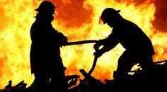 """Güneşli 'de çıkan yangında 2 bina yandı!  """"Güneşli 'de çıkan yangında 2 bina yandı!"""" http://fmedya.com/gunesli-de-cikan-yanginda-2-bina-yandi-h32986.html"""