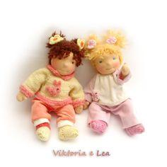 Bambole waldorf di stoffa - waldorf dolls : Viktoria e Lea bambole bebè