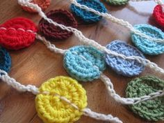 "Free pattern for ""Polka Dot Bunting"" from Lively Crochet!"