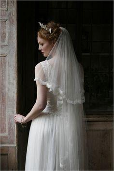Os presentamos el bonito estilo vintage en moda nupcial de la firma Sally Lacock Wedding Dresses.