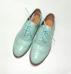 Vintage brogue women flats
