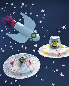 Fun paper mache space crafts for kids Kids Crafts, Space Crafts, Projects For Kids, Diy For Kids, Art Projects, Diy And Crafts, Arts And Crafts, Space Party, Space Theme