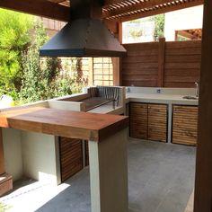 Outdoor Bbq Kitchen, Outdoor Barbeque, Backyard Kitchen, Outdoor Kitchen Design, Backyard Plan, Backyard Bbq, Barbecue, Parrilla Exterior, Built In Braai