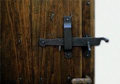 saltarello in ferro battuto per porte