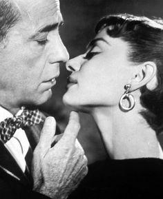 Humphrey Bogart and Audrey Hepburn: Sabrina, 1954 Sabrina Audrey Hepburn, Style Audrey Hepburn, Audrey Hepburn Movies, Humphrey Bogart, Golden Age Of Hollywood, Classic Hollywood, Old Hollywood, Hollywood Style, Hollywood Actresses