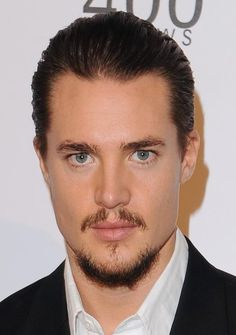 Alexander Dreymon Okay, Not the best, but this is the last sim I did before I got sick, so I couldn't really concentrate… CC: hair - eyes - beard, brows -. Most Beautiful Man, Gorgeous Men, Beautiful People, Louisa Connolly Burnham, Nick Murphy, Watch Gossip Girl, The Last Kingdom, Kingdom 3, Vikings