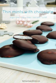 Thin mints or peppermint patties with chocolate. A childhood Christmas memory. Sugar-free, dairy-free, low carb, vegan, LCHF and paleo. Recipe here:
