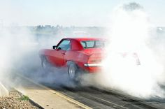 Camaro burnout at the drags