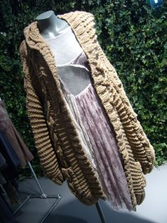 Long, irregular super-chunky knitted cardigan - this silhouette still on trend for A/W 2012 Chunky Knitwear, Topshop, Silhouette, Autumn, Fashion, Moda, Fashion Styles, Fall, Fasion