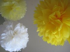 Dandelion - 10 Tissue Paper Pom Poms - Mixed Sizes - Decoration Bright Yellow and White DIY Decor kit - You are my Sunshine Party Theme