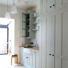 A beautifully proportioned Classic English Kitchen in Pimlico, London. #deVOLKitchens