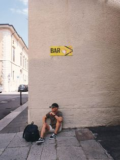 Travel Journal – 24 hours Couchsurfing in Verona – Virgil Godeanu backpack traveller, travel in Italy, Europe Verona, Italy Travel, Backpack, Europe, Journal, Lifestyle, Blog, Fashion, Moda