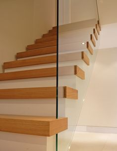 Oak stair detail, montague road, richmond upon thames. duncan foster architects