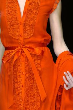 Valentino at Paris Fashion Week Fall orange, lace, bow Cute Fashion, Look Fashion, High Fashion, Womens Fashion, Paris Fashion, Fashion Vintage, Fashion Shoes, Winter Girl, Orange Outfits
