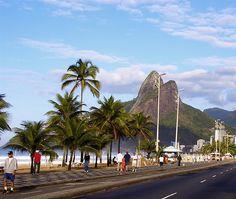 Praia de Ipanema, Rio de Janeiro / Ipanema Beach, Rio de Janeiro by Embaixada dos EUA - Brasil, via Flickr