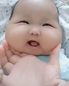 Best Funny Baby Pictures Lol So Cute Ideas Cute Funny Babies, Cute Funny Animals, Cute Baby Animals, Funny Kids, Cute Kids, Funny Videos For Kids, Cute Baby Videos, Funny Baby Memes, Funny Video Memes
