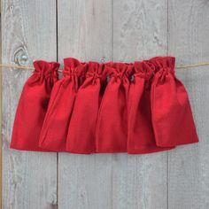 Baumwollbeutel rot klein - Set von sechs kleinen Baumwollbeuteln mit Zugband.
