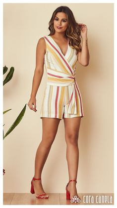 Look Beatrice Cooper (Festa) Short Outfits, Cool Outfits, Summer Outfits, Fashion Outfits, Womens Fashion, Fashion Trends, Fashion Ideas, Stripped Pants, Look Con Short