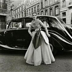 Willy Maywald (1907-1985) Bentley et mode à Paris - source vintage everiday.