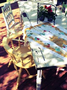 Dirt Cheap Decor! Old door turned picnic table