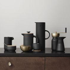 """An Alle Kaffeeliebhaber! Die Kaffeemühle """"Collar"""" von Stelton mit Behälter, Deckel und Mahlwerk ist der ideale Begleiter für Kaffee-Fans!"""