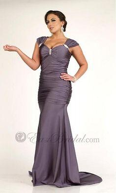 loves this as a bridesmaid dress. #Plus_size_Bridesmaids_dresses