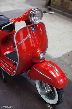 """If you do not understand the German language, please click """"HERE"""" to translate the homepage intoenglish or the language you wish; TRANSLATE HERE. Wie Alle Vespas bei VE8PA.CH, ist auch diese Vespa…"""