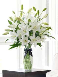 urBlooms.com - Flower of the Month Club, $42.00 (http://www.urblooms.com/flower-of-the-month-club/)