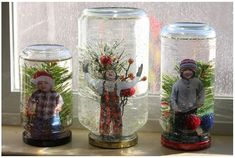 DIY snow globes are great as Christmas decorations, and they can be nice conversation pieces. Here are 20 DIY snow globe ideas you'll love making and showing off! Snow Globe Crafts, Diy Snow Globe, Holiday Crafts, Holiday Fun, Kids Snow Globe Craft, Noel Christmas, All Things Christmas, Winter Christmas, Homemade Snow Globes