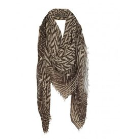 <3 this feathery scarf!
