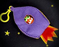 Feutre Alien Spaceship Purple Play Set porte-clés, Monster partie Favor