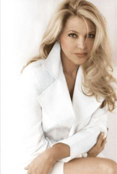 Eliane Elias - Pianist and jazz singer