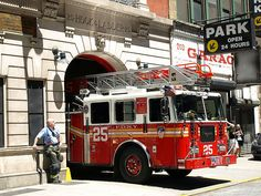 FDNY Ladder Co. 25 ☆。★。JpM ENTERTAINMENT ★。☆。