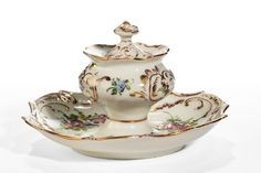 OnlineGalleries.com - Early 20th Century Dresden Porcelain Inkwell