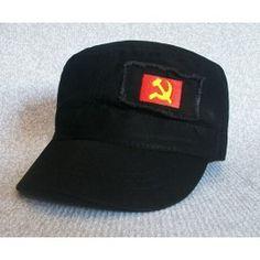 Gorra exclusiva de diseño con efecto gastado. Disponible en colores negro y kaki, con bordado de la bandera comunista de la hoz y martillo. Cierre posterior de metal adaptable a diferentes medidas.  Exclusiva de La Tienda Republicana.