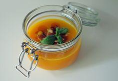 Kürbis-Karotten-Suppe im Einmachglas